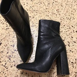 Shoes - Heel boots
